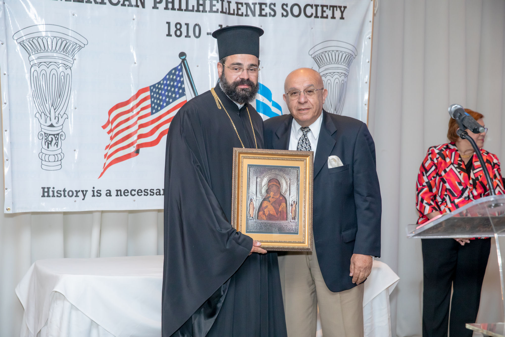 2019 Aurora-Nathanael, Metropolitan of Chicago, Panagiotis Nikolopoulos with copy of Russian icon of the Virgin of Vladimir